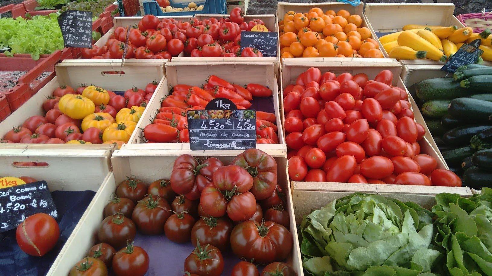 Gavray market